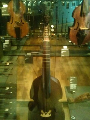 Highlights from Cite de Musique museum - guitar