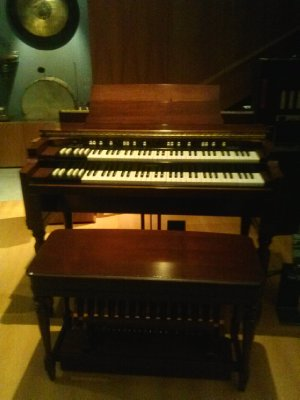 Highlights from Cite de Musique museum - a 1935 hammond organ! ohhh yes