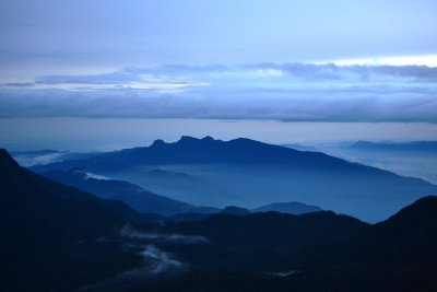 The grey view from atop Adam's Peak. This was sunrise !!