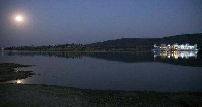 Moon rising over the Lake Palace