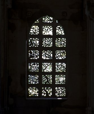 Latice Tree of Life window at the Jami Masjid