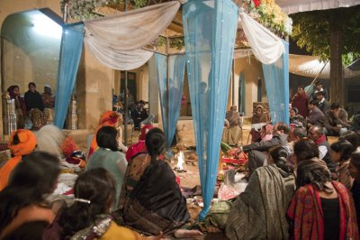 Wedding_Crowd.jpg