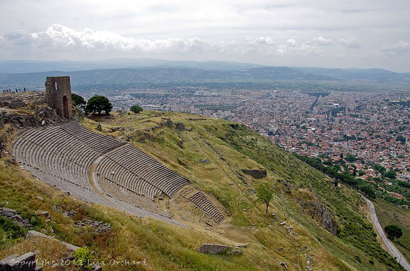 Vertigo Inducing Theatre and Bergama below