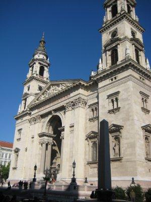 largest roman catholic church in budapest