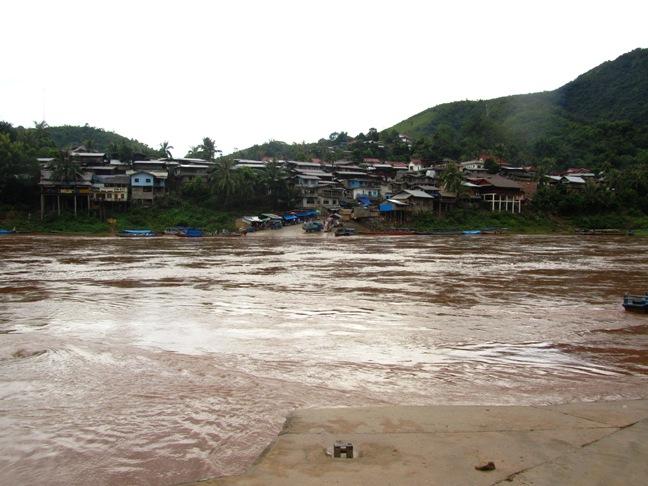 Muang Kiow, Laos