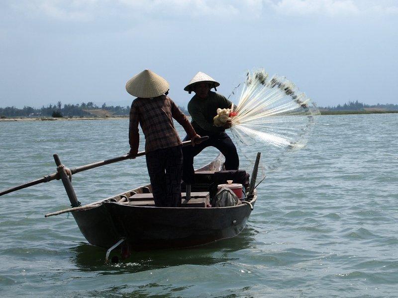 Fishing in Hoi An 2