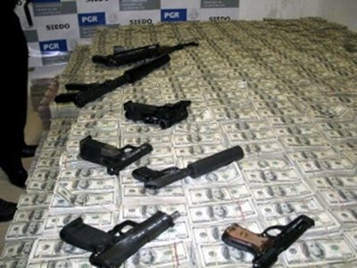 Drug money busted in Mexico, apparently US$22.000.000.000. Source: PGR
