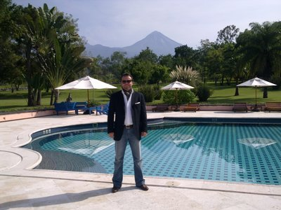 Hacienda San Antonio, Pool and active Volcano
