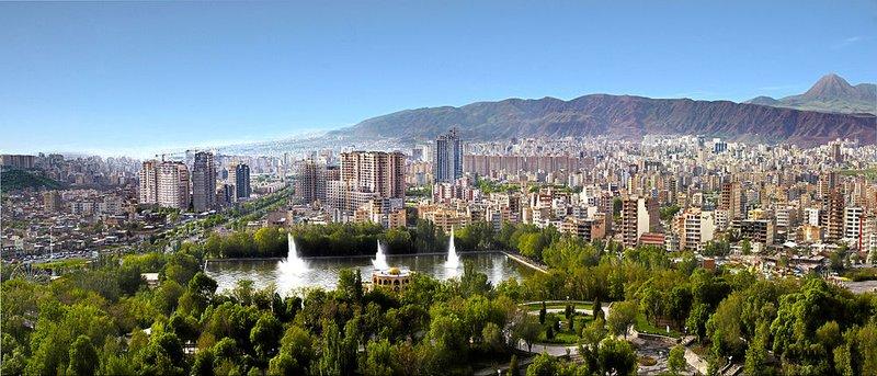 large_1000px-Panomara_of_Tabriz.jpg