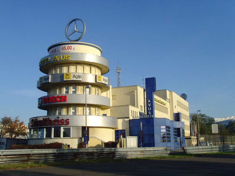 large_Motel_AVUS_Berlin.jpg