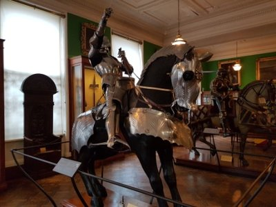 Marylebone - Wallace Collection - 1 of only 3 in the world prior to 1500 - 1480 full armour for a horse