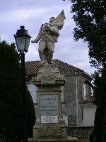Tournon_war_memorial.jpg