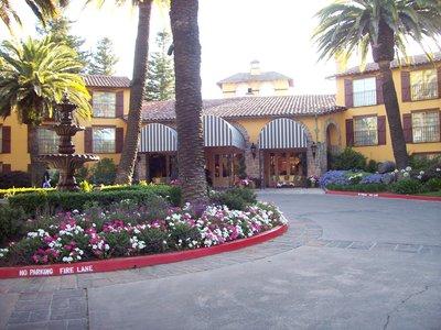 Embassy_Suites_2.jpg