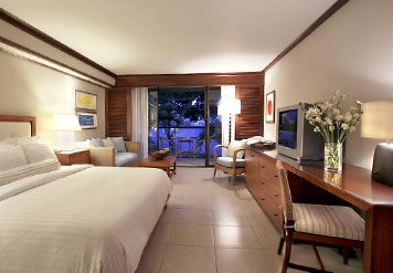 Wailea_Mar..el_room.jpg