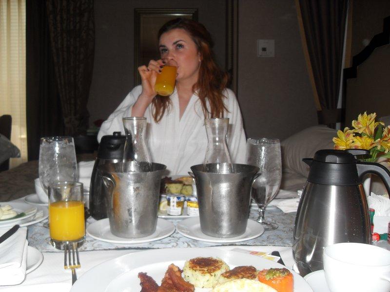Breakfast in room !