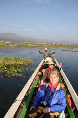girls on the boat inle