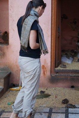 Amanda at checking out the rats at Karni Mata Temple