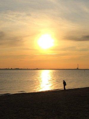 St Kilda - Walking along the bay