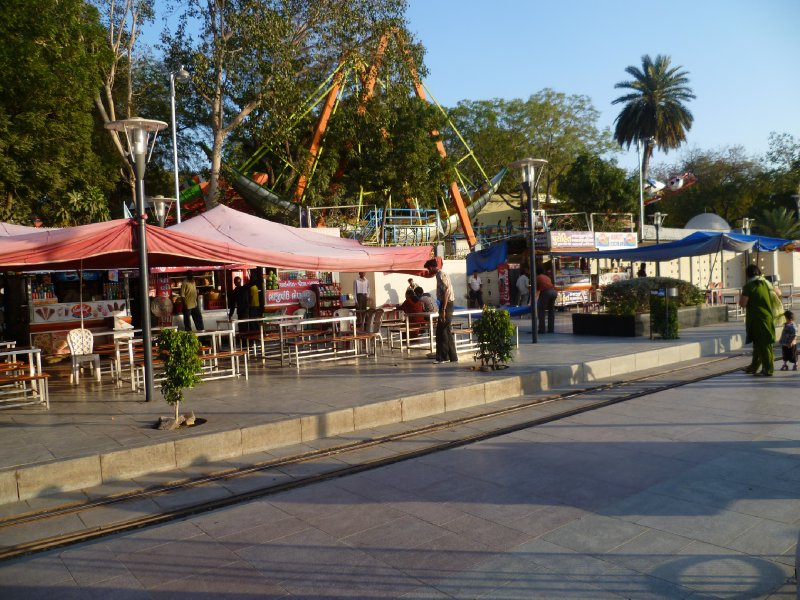 Food court at the Lake