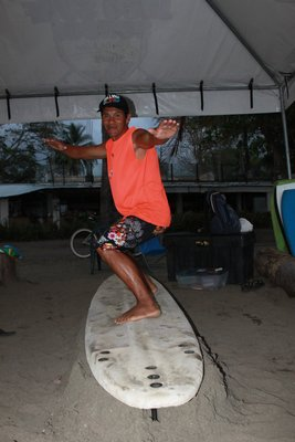 Surfeinstruktor Mauricio!