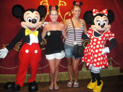 TASHLEY AND MICKEY AND MINNIE