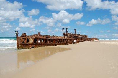 8shipwreck.jpg