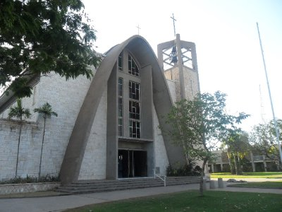 Darwin_Cathedral.jpg