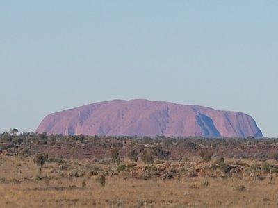 First_glance_at_Uluru.jpg