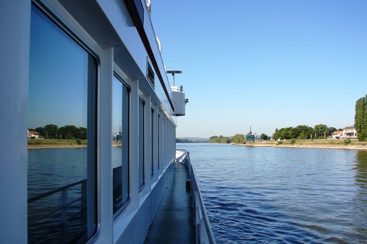 An arty photo of the Rhine and the ferry.