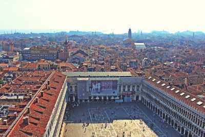 The large courtyard of Piazza San Marco