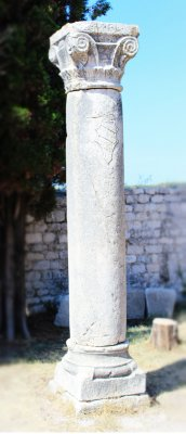 One of the Roman columns still standing in Rab