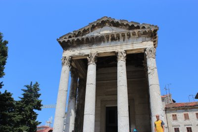 Augustuv Hram (temple) in the central Forum of Pula