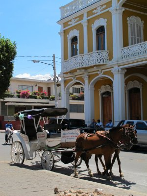 Horse drawn carriages in the central plaza