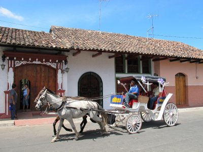 Carriage rides down Granada's streets