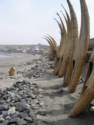 Cigarr-shaped boats - Huanchaco