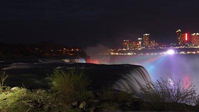 Niagara  Falls at night