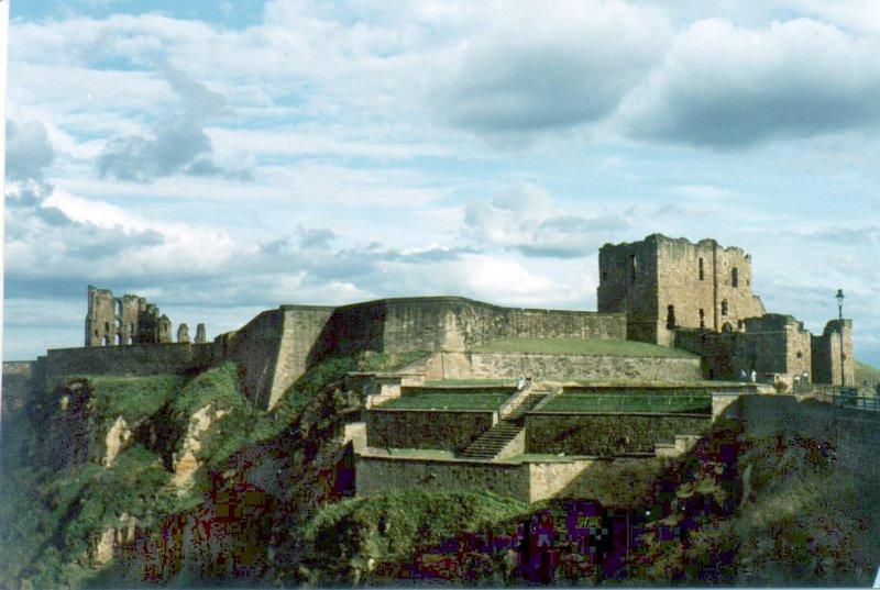 large_castle_ruins_02.jpg
