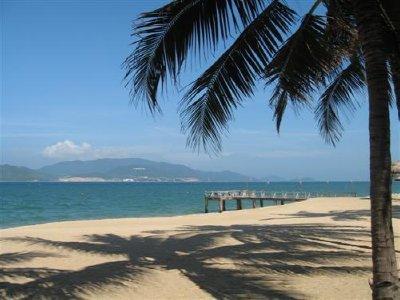 Nha_Trang_beach_2.jpg