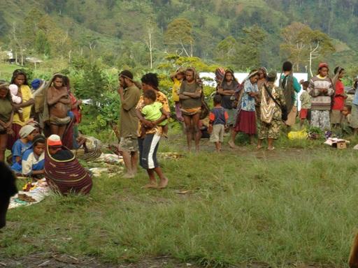 Morning on Angguruk market