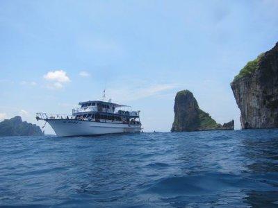 15_boat.jpg