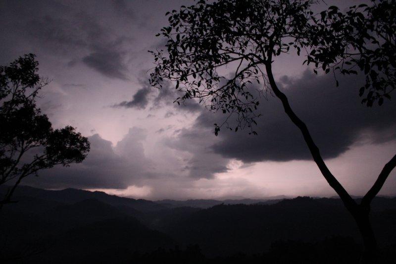 large_12_1_lightning_storm.jpg