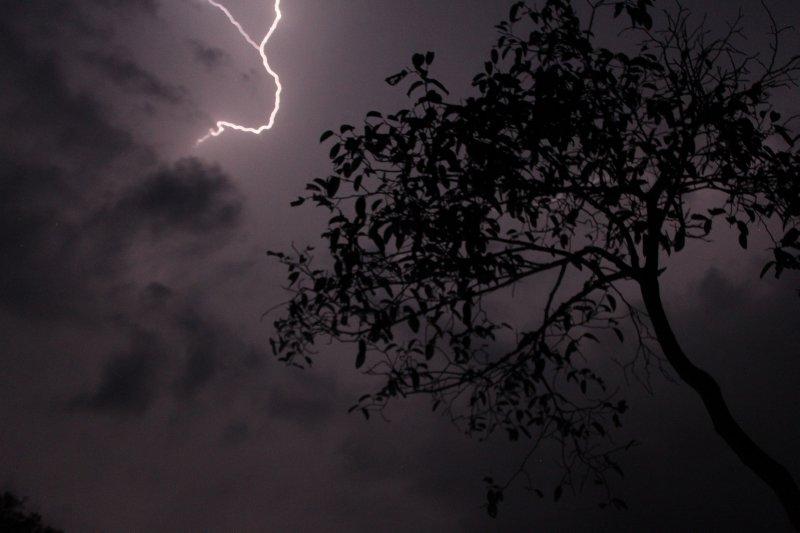 large_12_lightning_storm.jpg