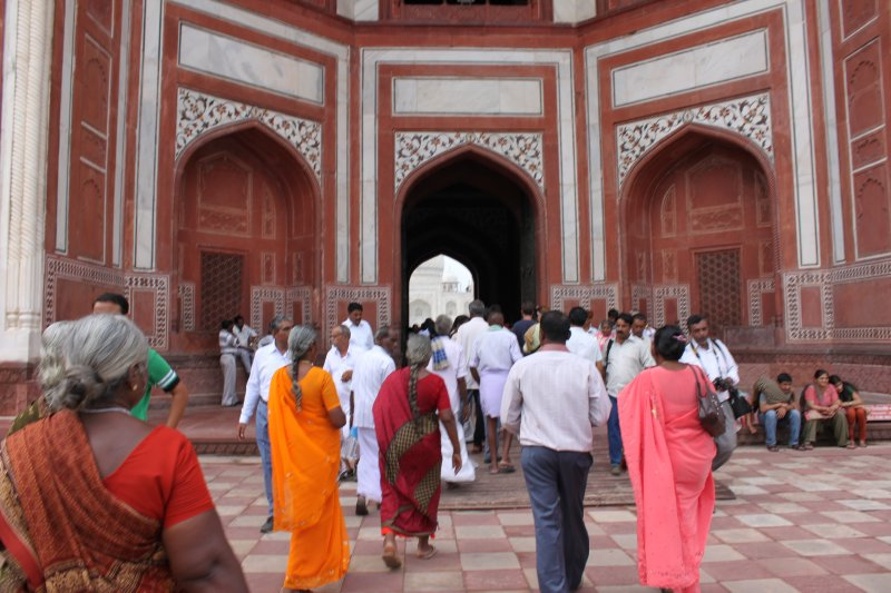 large_12_taj_entrance.jpg