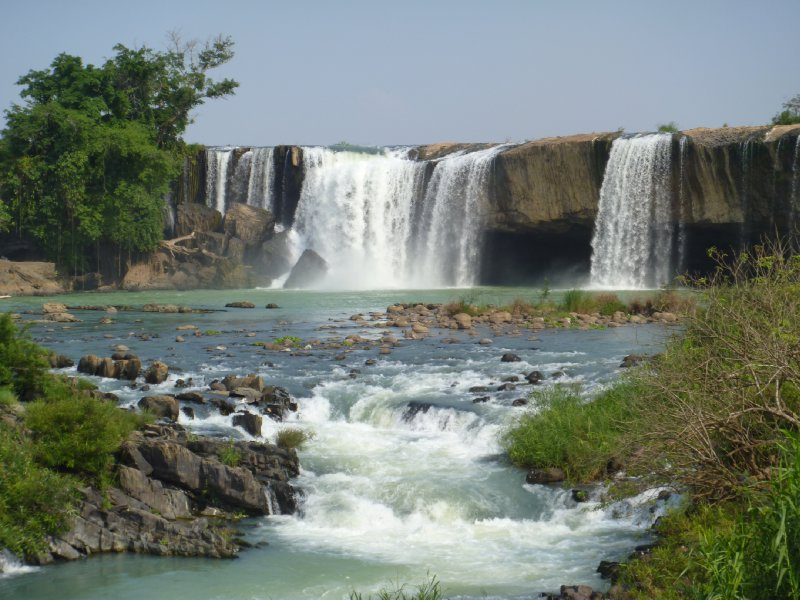 large_17_gia_long_waterfall.jpg