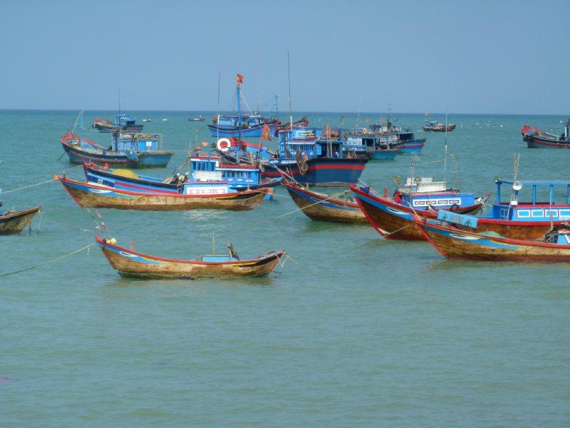 large_23_nah_trang_boats.jpg