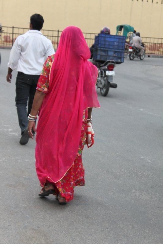 large_35_pink_sari.jpg