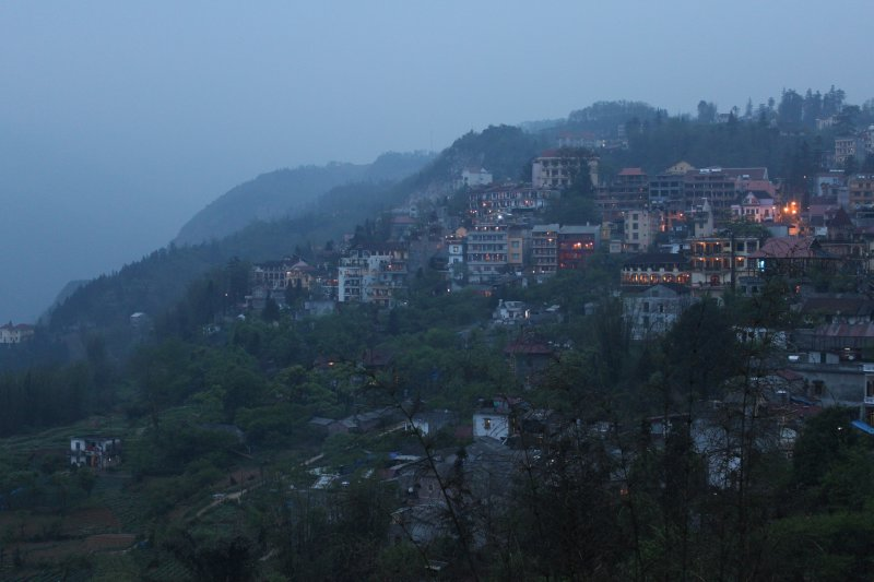 large_3_sapa_at_night.jpg