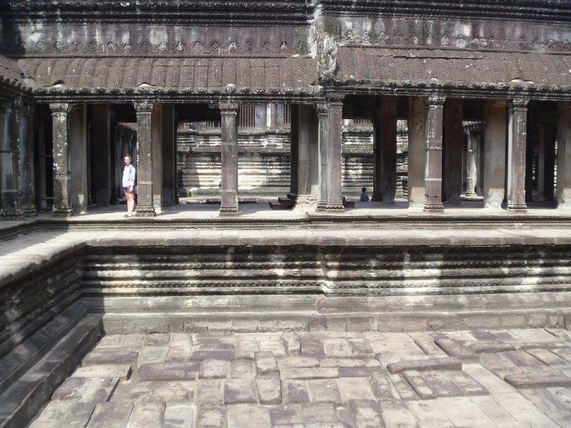 large_ankor_interior_temple.jpg