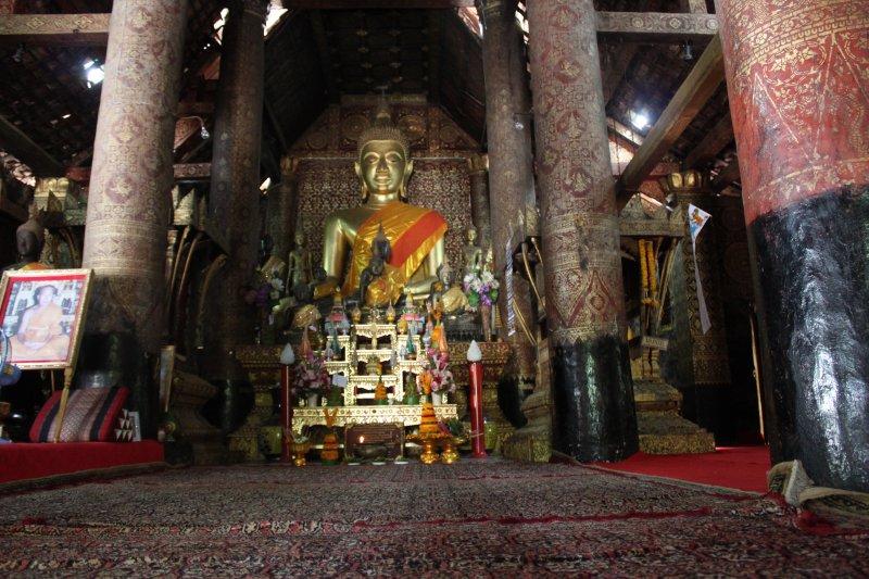 large_buddha_inside_temple.jpg