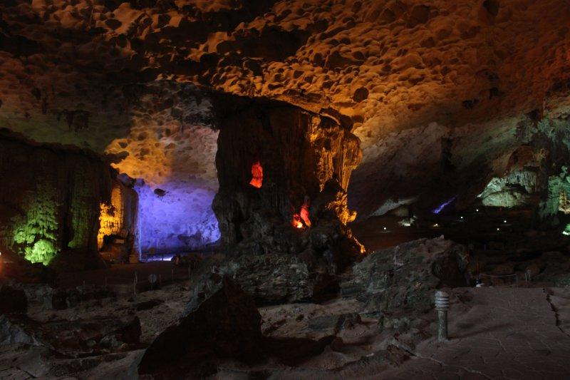 large_cave_4.jpg